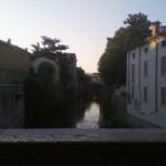 Toh! Un rio in centro città!