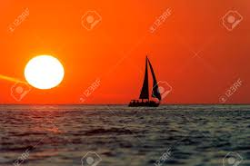 tramonto con vela